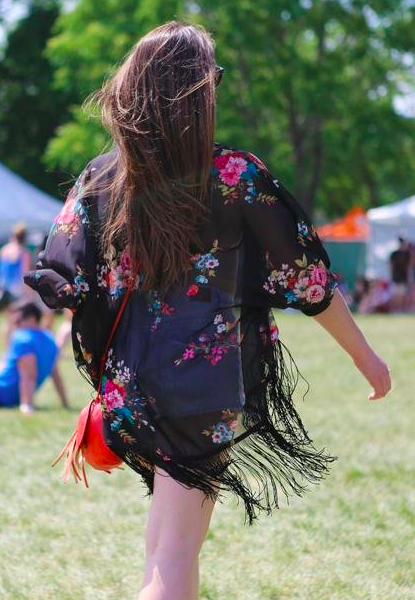 How to Dress for a Music Festival